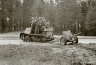Asisbiz Finnish captured Soviet Komsomolets T20 tank tractor moving to the front line at Lauritsala 21st Aug 1941 37337