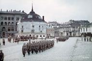 Asisbiz Finnish forces after the Vyborg conquest parade around the market square 31st Aug 1941 JSdia627