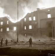 Asisbiz Fires break out after a Soviet bombing raid on Helsinki 29th Aug 1942 105595