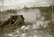 Asisbiz German PAK gunners in action near Medvezhyegorsk Karelia Russia 22nd Apr 1942 88946