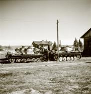 Asisbiz German Panzer II tanks HQ at Vasonvaara Vuokkiniemi 17th Jul 1941 23026