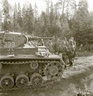 Asisbiz German Panzer II tanks HQ at Vasonvaara Vuokkiniemi 17th Jul 1941 23043