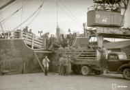 Asisbiz Kriegsmarine cargo ship SS Carl Cords unloading cattle at the port of Vyborg 24th Aug 1942 107105