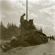Asisbiz Soviet BT7 tank destroyed at Kaukola 16th Aug 1941 35517
