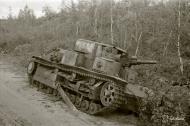 Asisbiz Soviet T28 33 ton tank destroyed south of Lake Nuosjarvi 5th Sep 1941 44642