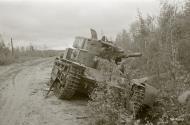 Asisbiz Soviet T28 33 ton tank destroyed south of Lake Nuosjarvi 5th Sep 1941 44643