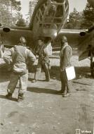 Asisbiz FAF Petlyakov Pe 2 PE215 returns from its mission at Lappeenranta 30th Jun 1944 03