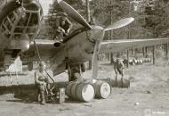 Asisbiz FAF Petlyakov Pe 2 PE215 returns from its mission at Lappeenranta 30th Jun 1944 05