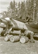 Asisbiz FAF Petlyakov Pe 2 PE215 returns from its mission at Lappeenranta 30th Jun 1944 06