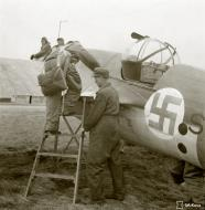 Asisbiz FAF Tupolev SB at Malmi Finland 21st Oct 1943 141378
