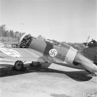 Asisbiz FAF captured Polikarpov I 16 coded IR101 powered by Shvetsov M 25 Finland 9798