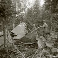 Asisbiz Soviet Ilyushin Il 2 Shturmovik 11378132 crash site at Loimolan 4th Aug 1944 02