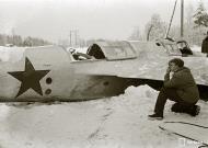 Asisbiz Soviet Tupolev SB 2M 7th Army Yellow 9 force landed at Imikkra Mansikkakoski 1st Dec 1939 111134