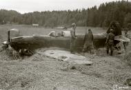Asisbiz Soviet Yakovlev Yak 7 Red 38 belly landed Pitkarannan 9th Jul 1944 03