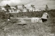 Asisbiz Soviet Yakovlev Yak 7 White 18 belly landed Pulsa Vihosinkyla 2nd Sep 1944 04