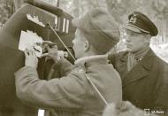 Asisbiz Aircrew FAF pilot Lt Ruohola adding his air victories to his aircraft at Suulajarvi 13th Nov 1941 67615