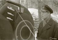 Asisbiz Aircrew FAF pilot Lt Ruohola adding his air victories to his aircraft at Suulajarvi 13th Nov 1941 67616