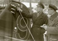 Asisbiz Aircrew FAF pilot Lt Ruohola adding his air victories to his aircraft at Suulajarvi 13th Nov 1941 67617