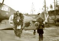 Asisbiz Fokker D XXI FAF FR100 Lt Tainio celebrates his 100 flight Tiiksjarvi 4th Aug 1942 102871