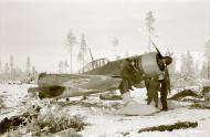 Asisbiz Fokker D XXI FAF FR14x maintenance work minus 26 Tiiksjarvi Airport 1st Nov 1941 01