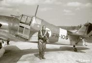Asisbiz Fokker D XXI FAF LeLv14 FR109 Lt T Vuorinen celebrate his 100 flight at Rukajarven 11th Aug 1942 104795