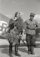 Asisbiz Fokker D XXI FAF LeLv14 FR109 Lt T Vuorinen celebrate his 100 flight at Rukajarven 11th Aug 1942 104796