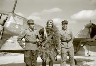 Asisbiz Fokker D XXI FAF LeLv14 FR109 Lt T Vuorinen celebrate his 100 flight at Rukajarven 11th Aug 1942 104798