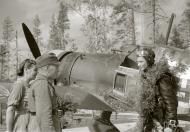 Asisbiz Fokker D XXI FAF LeLv14 FR109 Lt T Vuorinen celebrate his 100 flight at Rukajarven 11th Aug 1942 104799
