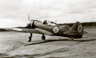 Asisbiz Curtiss Hawk 75A Finnish Air Force LeLv32 Karhila CU560 Finland 1942 01