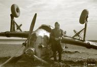 Asisbiz Morane Saulnier MS 406 FAF MS316 landing mishap Llanas Latva 14th May 1942 03