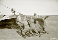 Asisbiz Morane Saulnier MS 406 FAF MS316 landing mishap Llanas Latva 14th May 1942 05