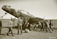 Asisbiz Morane Saulnier MS 406 FAF MS316 landing mishap Llanas Latva 14th May 1942 15