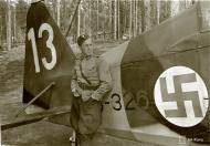 Asisbiz Morane Saulnier MS 406 FAF MS326 Lt Kalima at Tiiksjarvi 10th Jun 1943 130377
