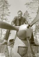Asisbiz Morane Saulnier MS 406 FAF MSxxx Lt Salonen at Tiiksjarvi 10th Jun 1943 02