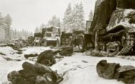 Asisbiz Dead Soviet soldiers and their equipment at Battle of Raate Road Suomussalmi 1st Jan 1940 105710