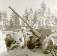 Asisbiz Finnish forcs salvaging Soviet equipment at Lemeti area Winter War 1st Feb 1940 4764