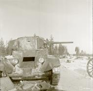 Asisbiz Finnish forcs salvaging Soviet equipment at Lemeti area Winter War 1st Feb 1940 4767