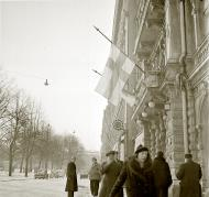 Asisbiz Helsinki the Finnish flag flown at half mast during the interim peace deal with Stalins Soviet Russia 13th Mar 1940 6245
