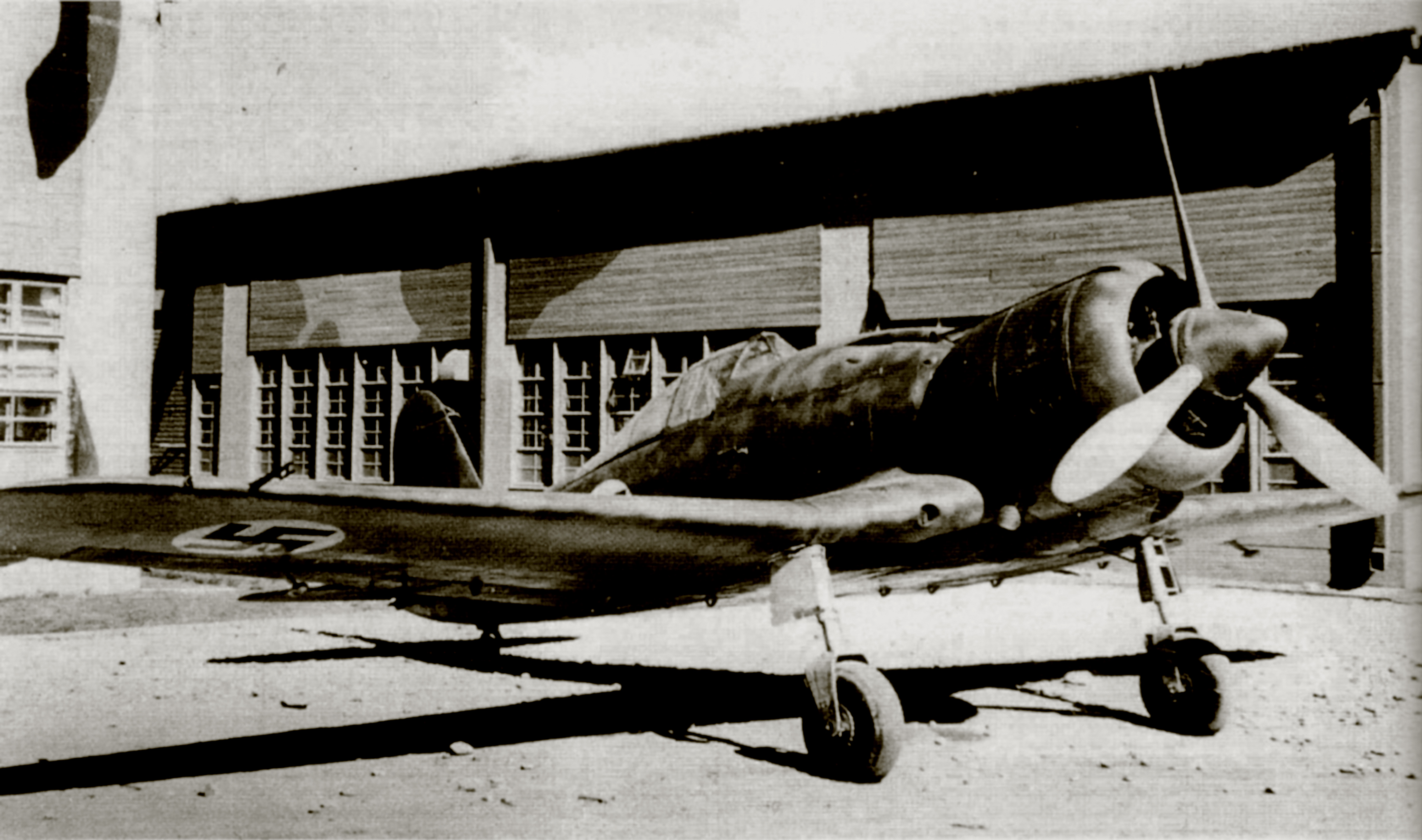 Fiat G50 Freccia FAF 3.LeLv26 FA16 MM3613 State Aircraft Factory Tampere Jun 1940 01