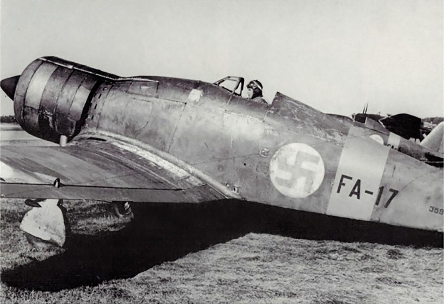 Fiat G50 Freccia FAF 3.LeLv26 FA17 MM3599 Kauhava Finland 1940 01