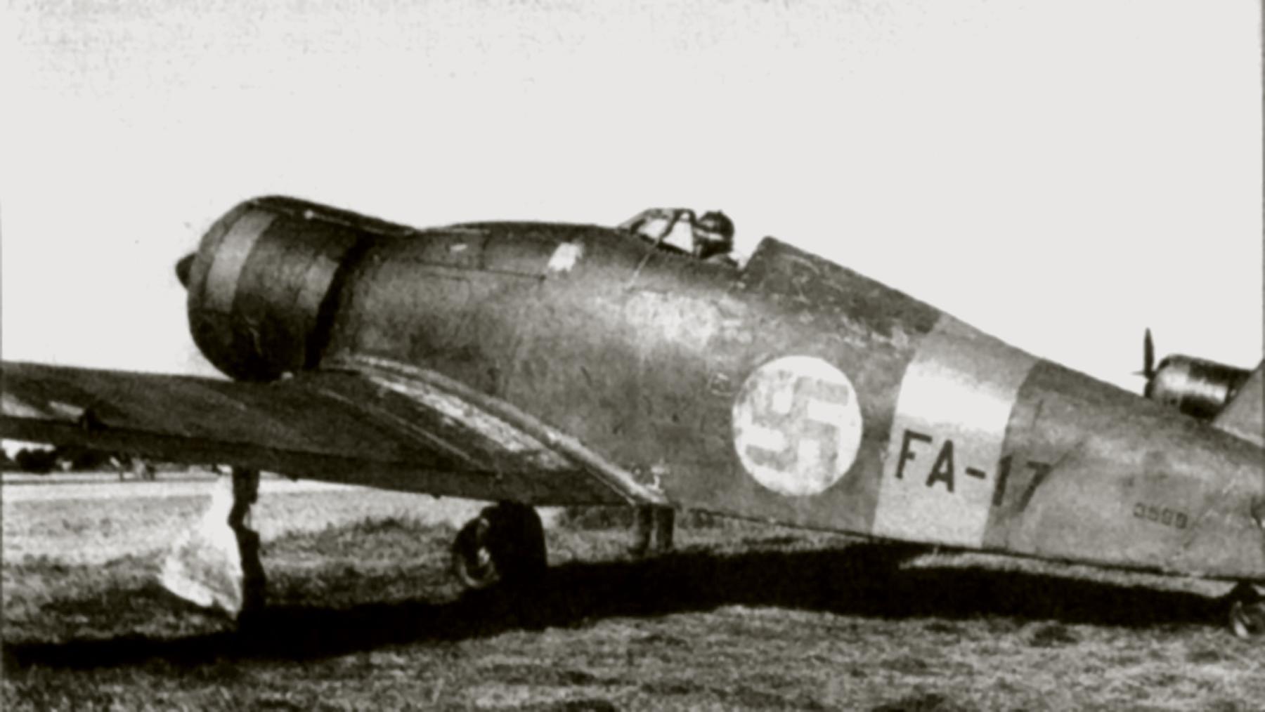 Fiat G50 Freccia FAF 3.LeLv26 FA17 MM3599 Kauhava Finland 1940 02