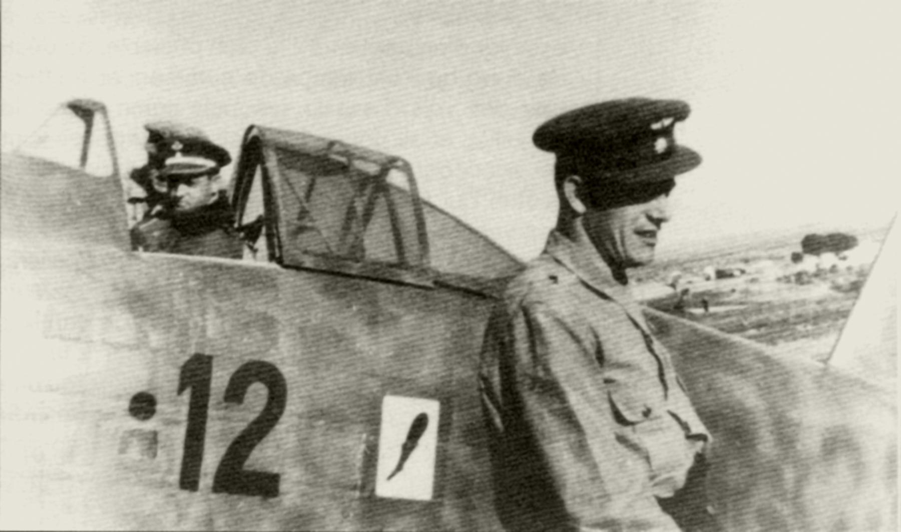 Aircrew Aviazione Legionaria 13 Gruppo Caccia Commander Mario Bonzano 01