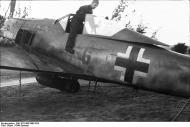 Asisbiz Focke Wulf Fw 190A Bundesarchiv Bild 101I 496 3463 33A