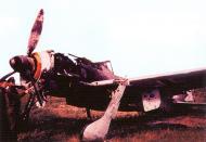 Asisbiz Focke Wulf Fw 190F8 WNr 581443 abandoned Bretigny France 1944 02