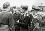 Asisbiz Aircrew General der Jagdflieger Adolf Galland inspects Ekdo 25 Achmer 1943 07