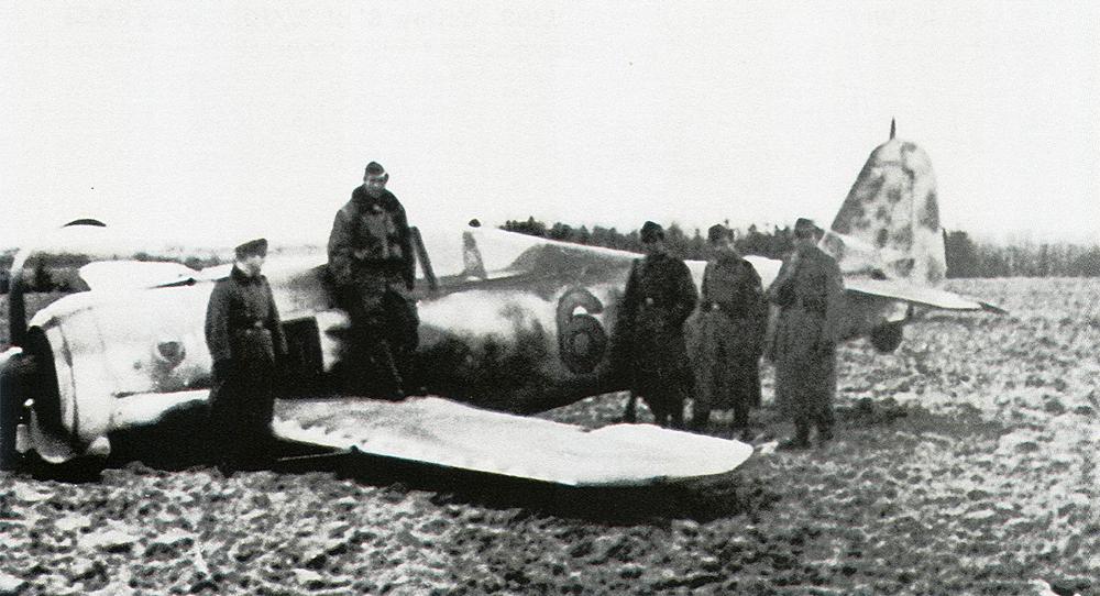 Focke Wulf Fw 190A7 3.JG11 (Y6+) Wilhelm Lorenz belly landed Svendborg Denmark Feb 20 1944 01