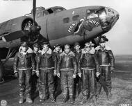 Asisbiz USAAF 41 24399 B 17F Fortress 8AF 1BD 1CBW 91BG323BS crew shot down by JG26 Johannes Naumann 02