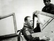 Asisbiz Aircrew Luftwaffe pilot 11.(Sturm)JG3 Willi Unger in his Fw 190A8 Salzwedel 01