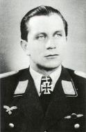Asisbiz Aircrew Luftwaffe pilot Oskar Zimmerman 9.JG3 Knights Cross Oct 29 1944 01