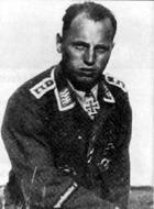 Asisbiz Aircrew Luftwaffe pilot Walter Loos 01